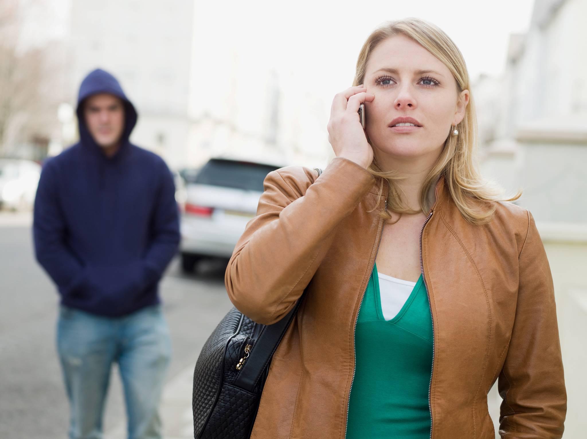 """Psikolojik bir taciz türü olarak """"Stalking"""" iş yerlerinde her an yaşanabilir"""