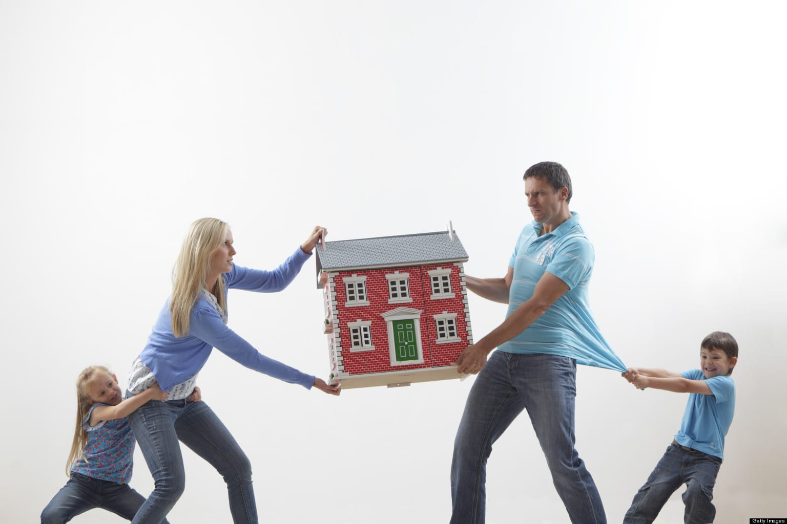 Boşanma davalarında mal paylaşımı nasıl olur?