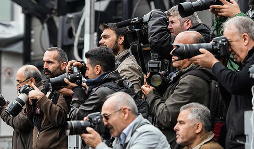 Gazetecinin Basın Kuruluşunda Çalışması